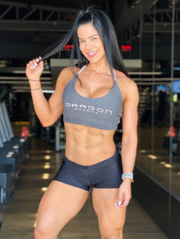 Eva Andressa Abs